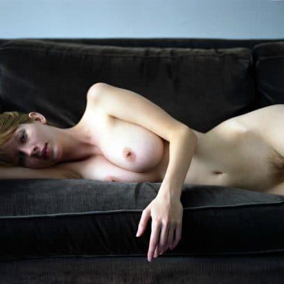 Nacktselfies auf der Couch