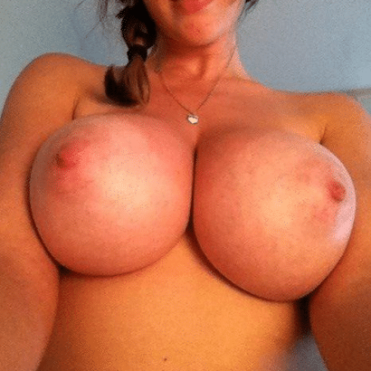 Perfekte Titten Selfie