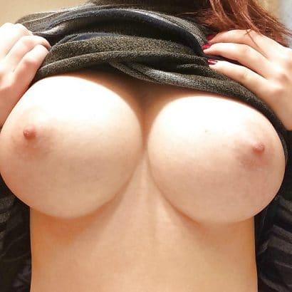 Frauen nackt mit perfekten Titten