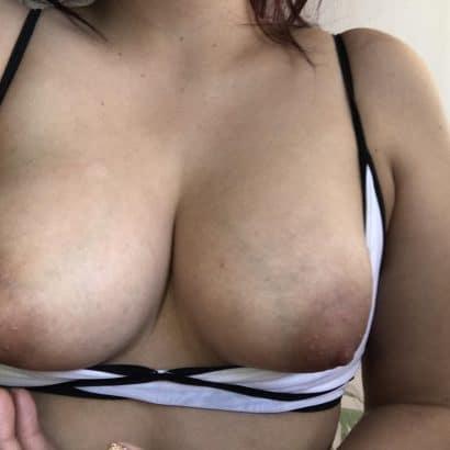 Akt Frauen Bilder Brüste raus