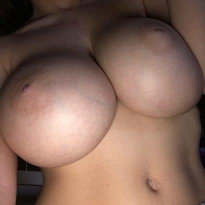 Private Frauen nackte Titten