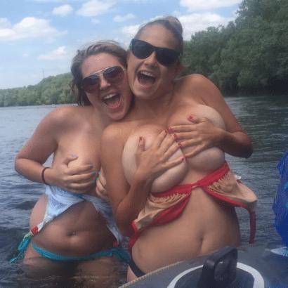 Erotische Frauen am See