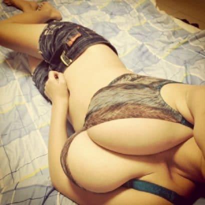 Erotische Frauen in BH