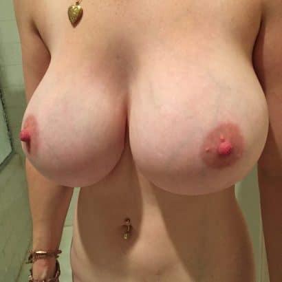 Bilder nackte Frauen im Bad