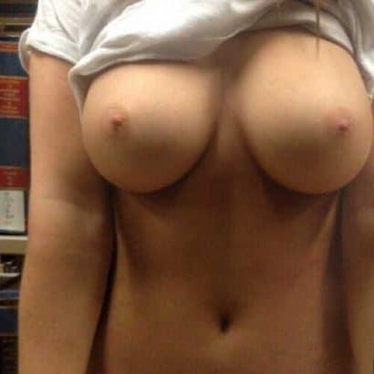 Bilder nackte Frauen in der Uni