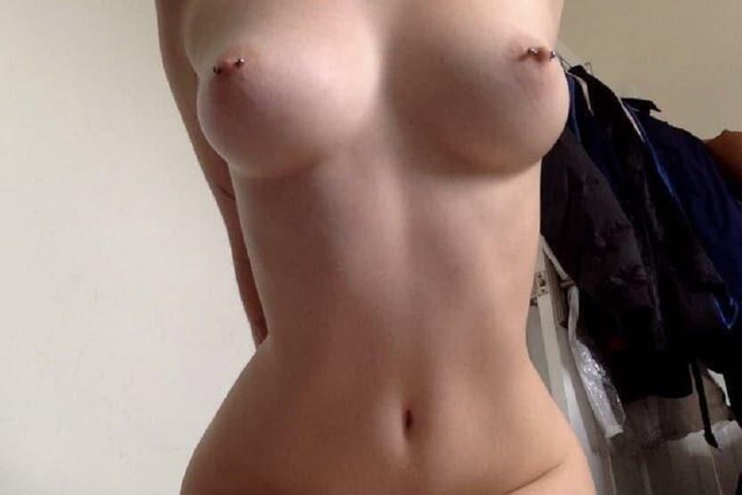 Nackt Piercing