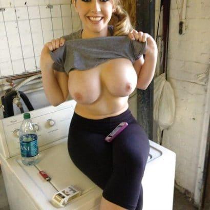 Nacktbilder von Frauen beim waschen