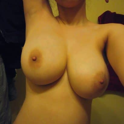 Pralles Titten Selfie