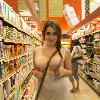 Sexy Frauen im Supermarkt