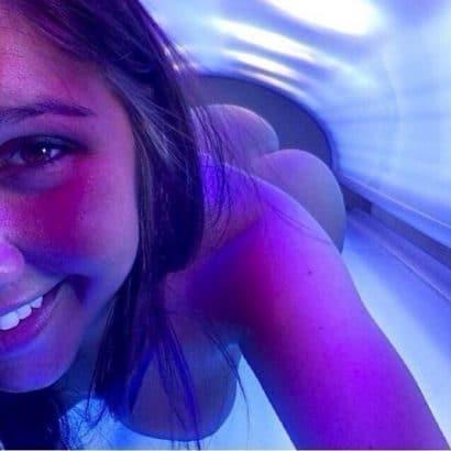 Girls nackt im Solarium