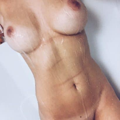 Akt Frauen Bilder am Duschen