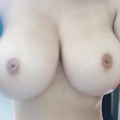 Kostenlose Bilder nackter Frauen eingedrückte Nippel