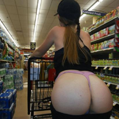 Private Frauen Arsch im Supermarkt