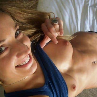 Notgeile Frauen zeigen Brüste