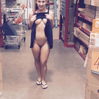 Nackt Fotos im Baumarkt