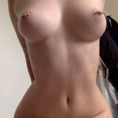 Piercing Nackt Selfies