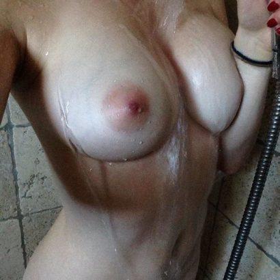 Erotikbilder in der Dusche