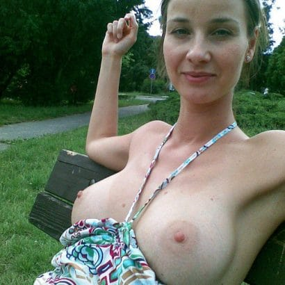 Nackte Frauen Fotos in der öffentlichkeit