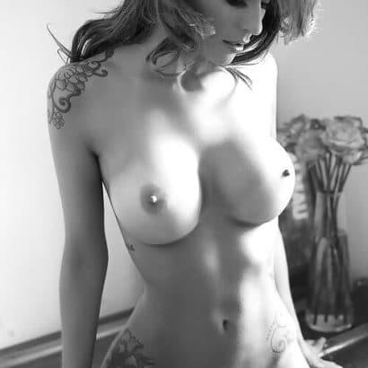 Geile Nacktbilder schwarz weiß