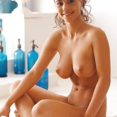 Erotische Nacktbilder geile Frau