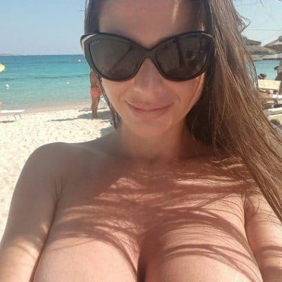 Beach Selfie nackt
