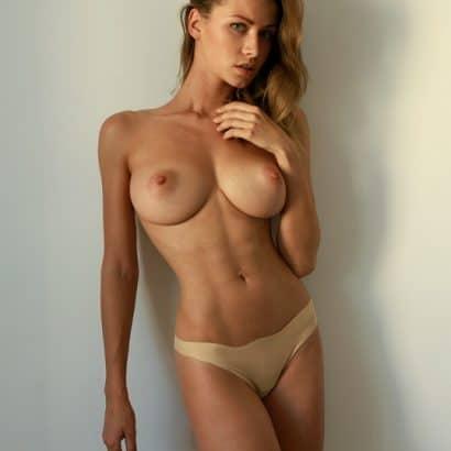 Nackt Bilder von Frauen oben ohne