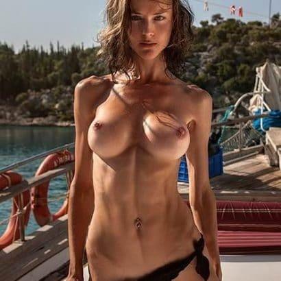 Nackt Bilder von Frauen trainiert