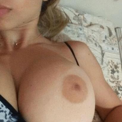 Erotik Girls eine Brust