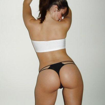 Bikini Babes von hinten