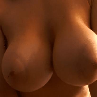 Nackte Weiber Boobs