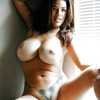 Geile nackte Frauen Bilder mit Tattoo
