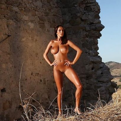 In den Bergen Geile nackte Frauen Bilder