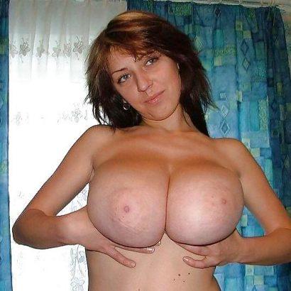 Fotos von nackten Frauen Titten in der Hand